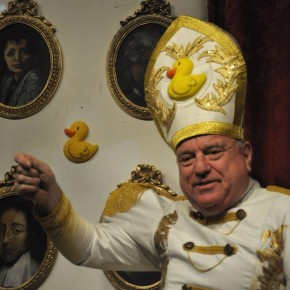 """Leo Bassi se confiesa """"perfectamente capacitado"""" para suceder a Benedicto XVI"""