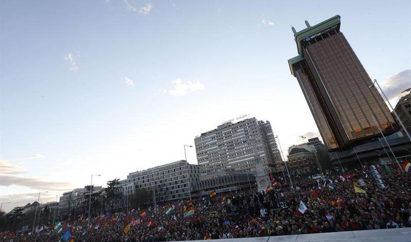 Manifestamtes de la Marcha de la Dignidad en la Plaza de Colón de Madrid. EFE/Javier Lizón